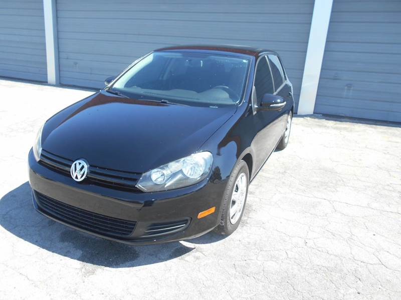 2011 Volkswagen Golf for sale at FAMILY AUTO BROKERS in Longwood FL