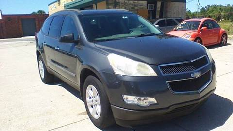 2009 Chevrolet Traverse for sale at FAMILY AUTO BROKERS in Longwood FL