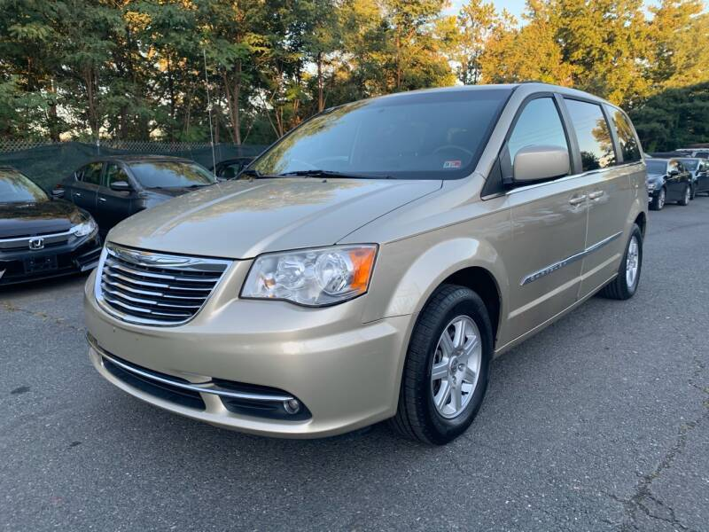 2011 Chrysler Town and Country for sale at Dream Auto Group in Dumfries VA