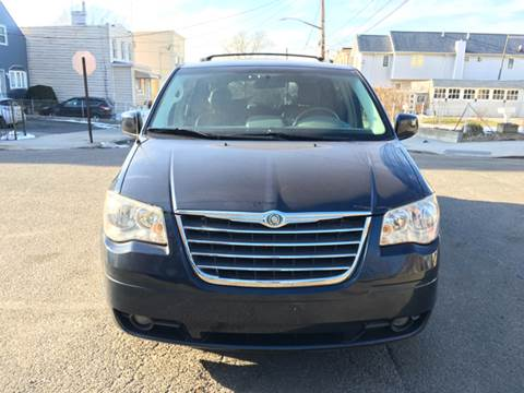 2008 Chrysler Town and Country for sale in Ridgewood, NY