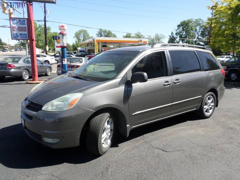2004 Toyota Sienna XLE 7-Passenger 4dr Mini-Van - Wheat Ridge CO