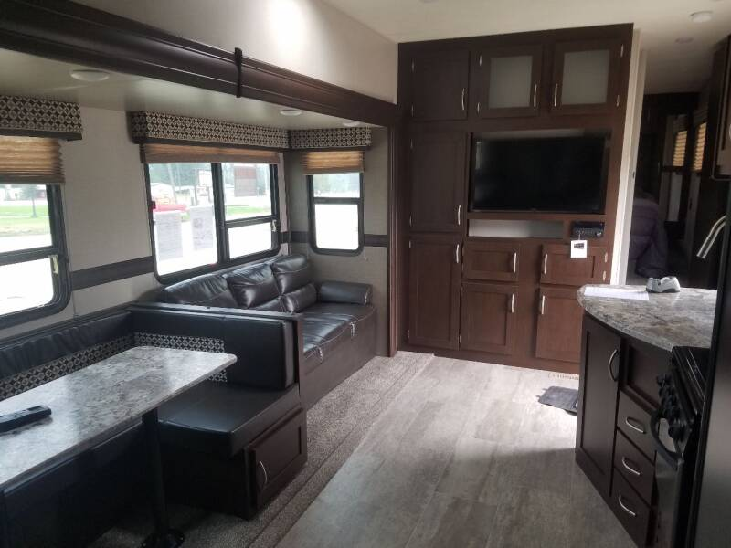2018 SPORTSMEN 281B BUNK HOUSE MODEL - Lolo MT