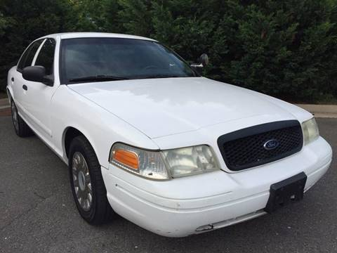 2003 Ford Crown Victoria for sale in Chantilly, VA