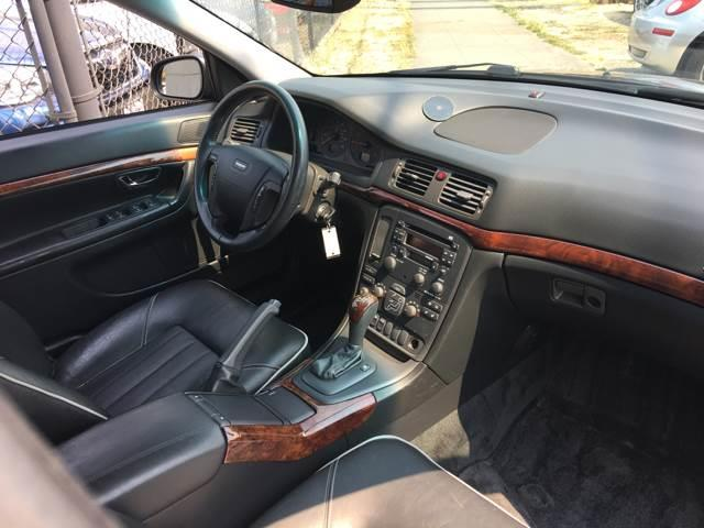 2002 Volvo S80 4dr T6 Turbo Sedan - Seattle WA