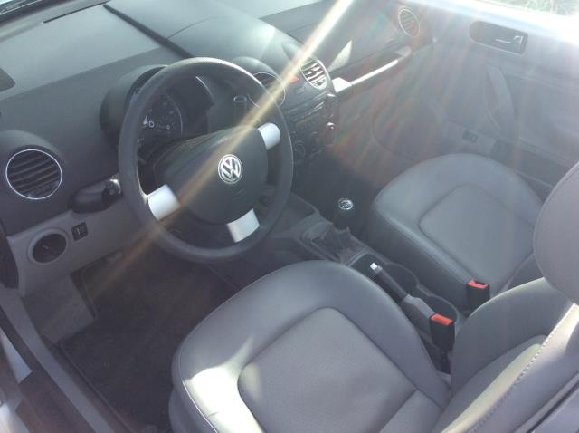 2006 Volkswagen New Beetle 2.5 2dr Convertible w/Manual - Seattle WA