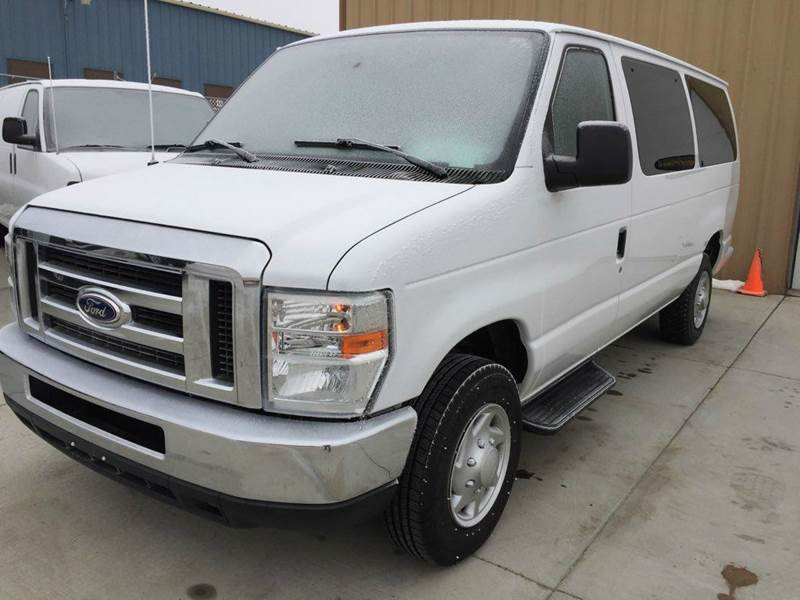 2014 Ford E-350 12-Passenger Low Miles Like New! In Bismarck