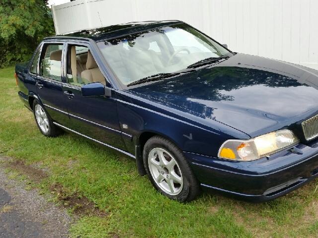 2000 Volvo S70 for sale at John Lombardo Enterprises Inc in Rochester NY
