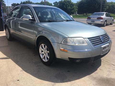 2004 Volkswagen Passat for sale at AutoPros - Waterloo in Waterloo IA