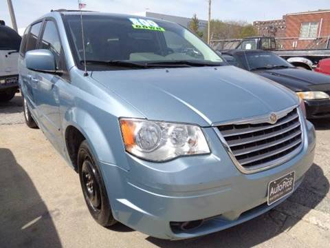 2008 Chrysler Town and Country for sale in Waterloo, IA