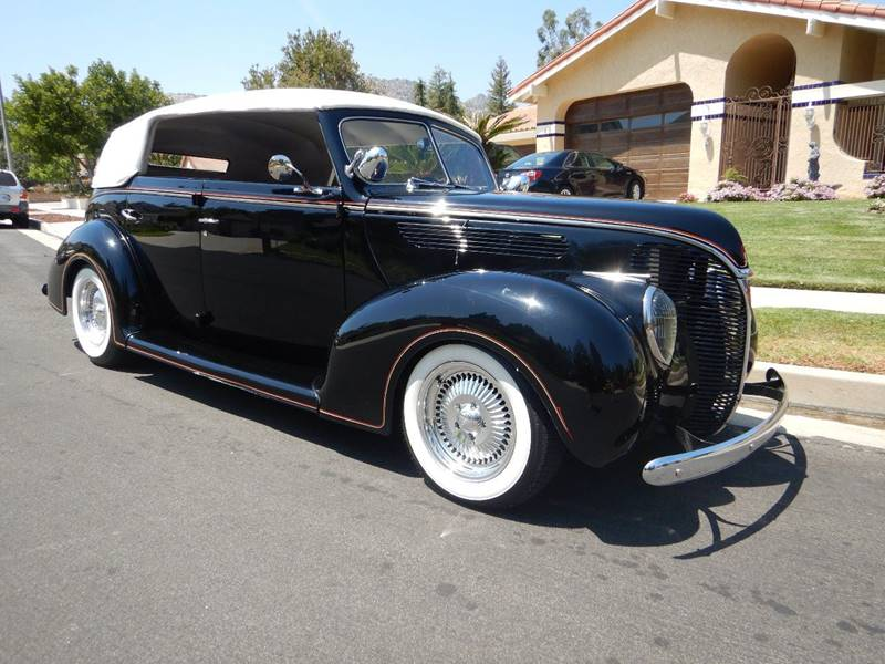 1938 Ford Cabriolet 33