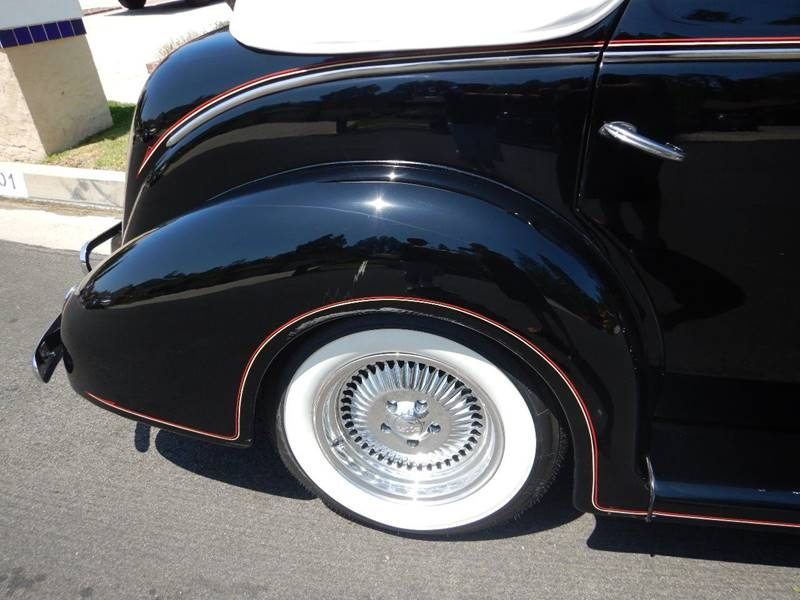1938 Ford Cabriolet 43