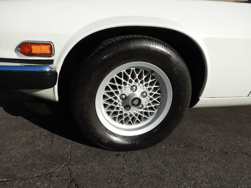 1990 Jaguar XJ-Series 9