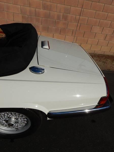 1990 Jaguar XJ-Series 13