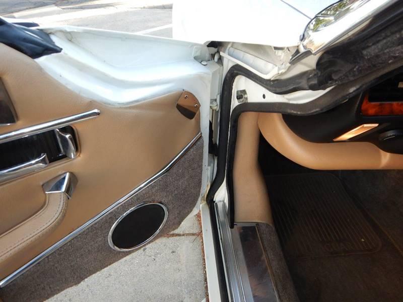 1990 Jaguar XJ-Series 29
