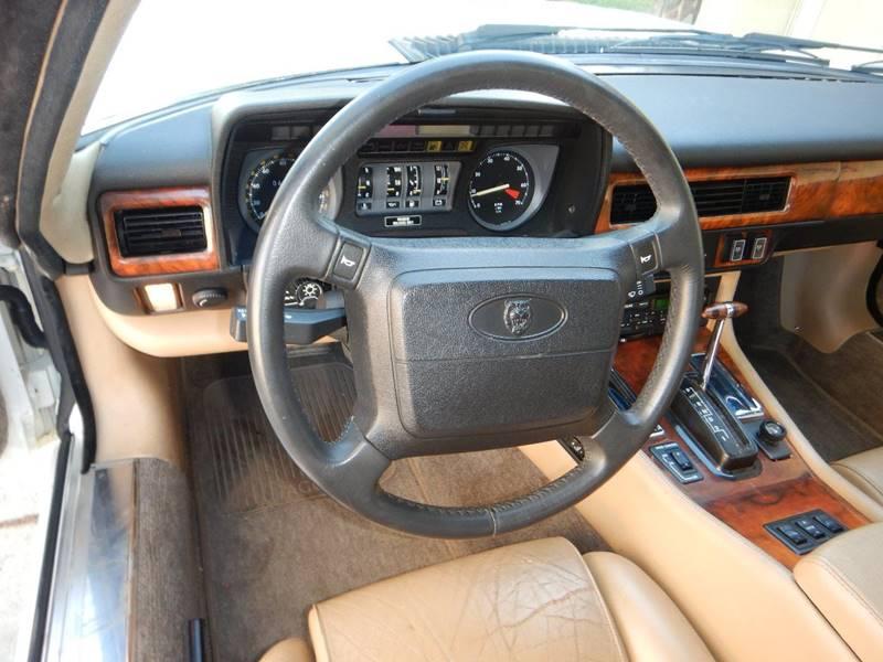 1990 Jaguar XJ-Series 32