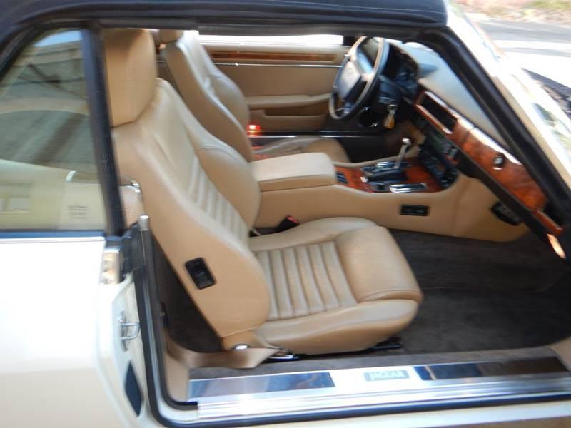1990 Jaguar XJ-Series 46