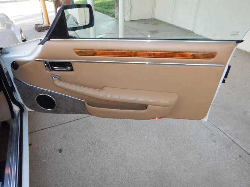 1990 Jaguar XJ-Series 48