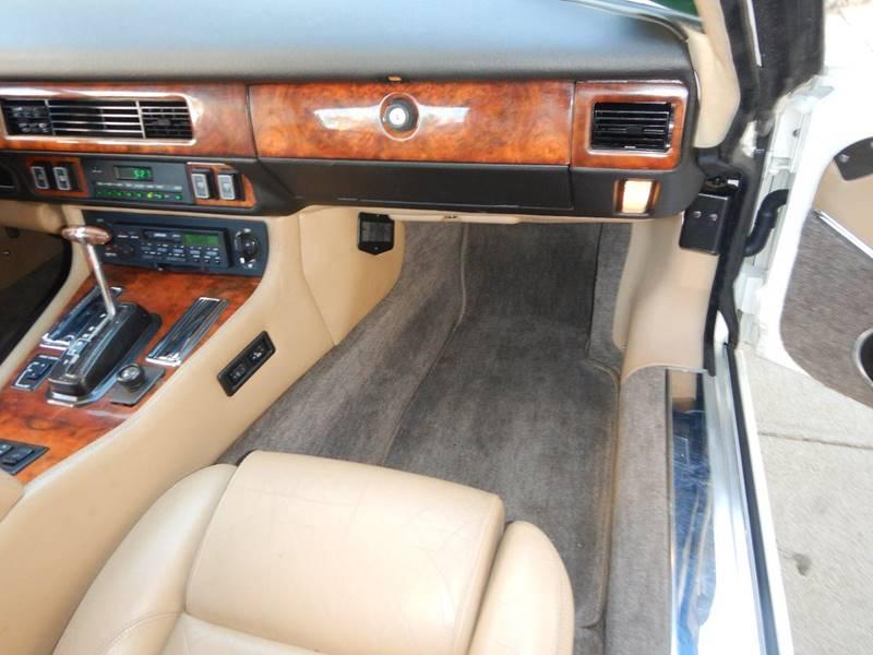 1990 Jaguar XJ-Series 52