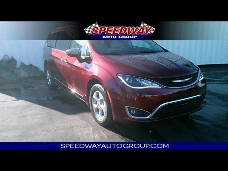 2018 Chrysler Pacifica Hybrid Limited 4dr Mini-Van - Lansing KS