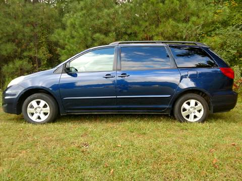 2006 Toyota Sienna for sale in Saluda, VA