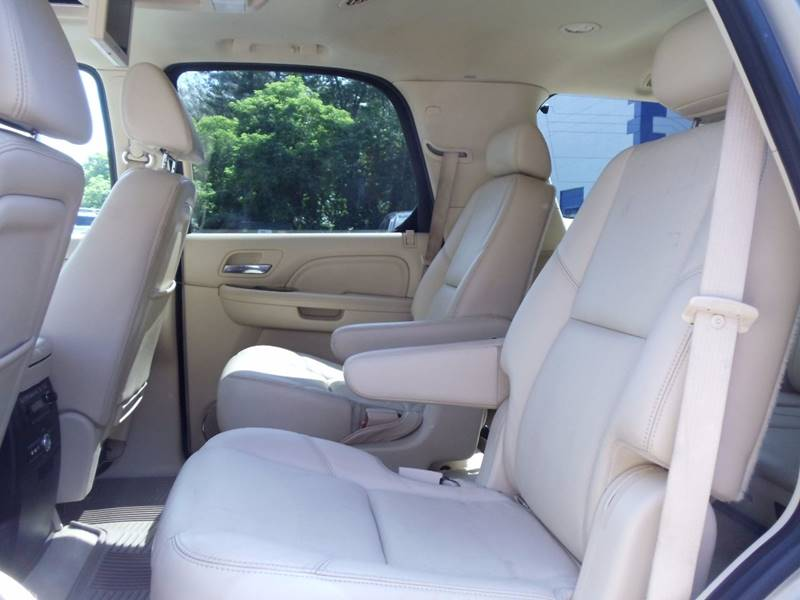 2008 Cadillac Escalade AWD 4dr SUV - Kingston NH