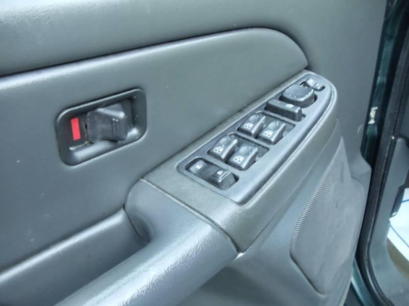 2005 GMC Sierra 2500HD 4dr Crew Cab SLE 4WD SB - Kingston NH
