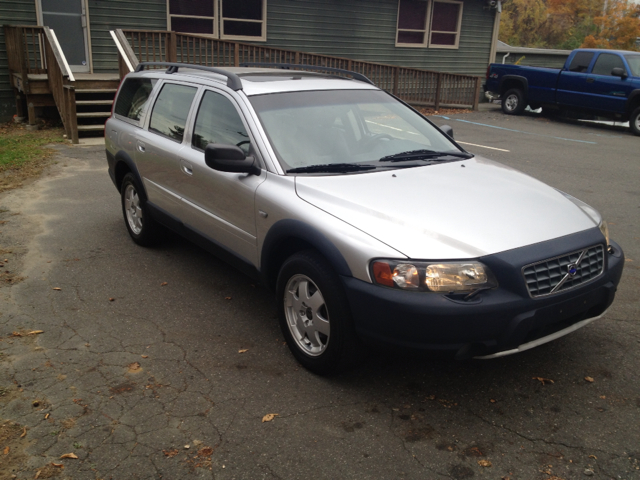 2002 Volvo XC70 for sale at CarsForSaleNYCT in Danbury CT