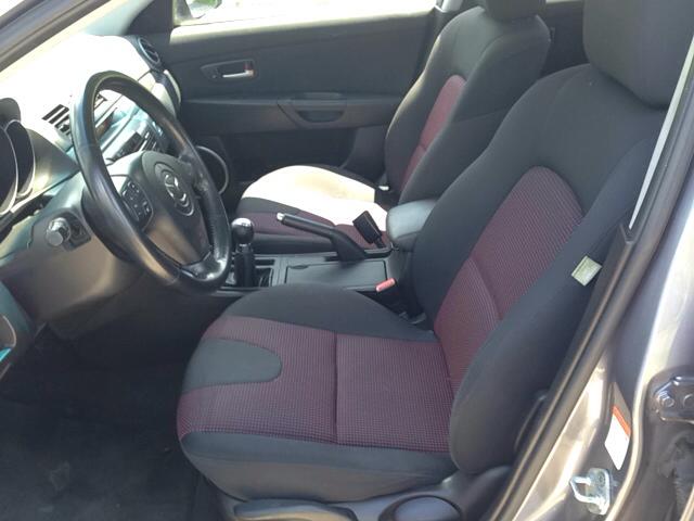 2004 Mazda MAZDA3 s 4dr Sedan - Danbury CT