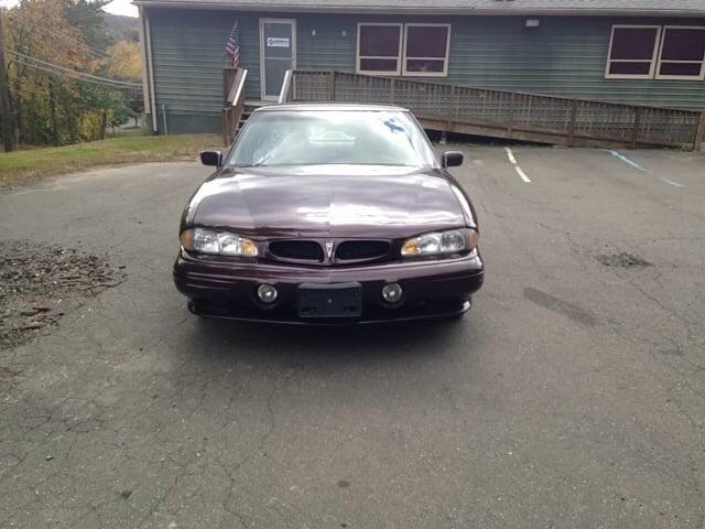 1999 Pontiac Bonneville SLE 4dr Sedan - Danbury CT