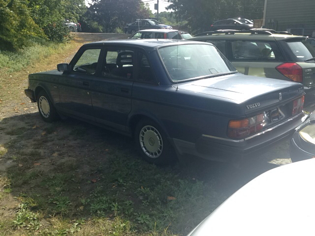 1992 Volvo 240 Base 4dr Sedan - Danbury CT