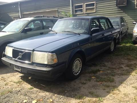 1992 Volvo 240 for sale at CarsForSaleNYCT in Danbury CT
