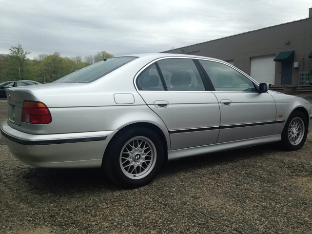 2000 BMW 5 Series 528i 4dr Sedan - Danbury CT