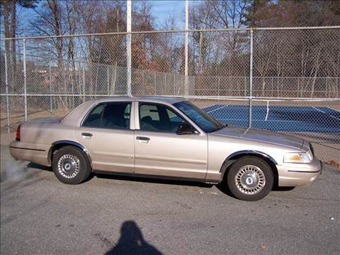 2000 Ford Crown Victoria for sale at William's Car Sales aka Fat Willy's in Atkinson NH