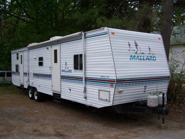 2000 Fleetwood Mallard 37' for sale at William's Car Sales aka Fat Willy's in Atkinson NH