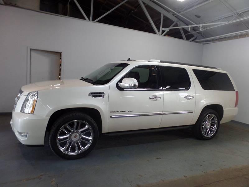 2013 Cadillac Escalade ESV Platinum Edition AWD 4dr SUV in Cleveland