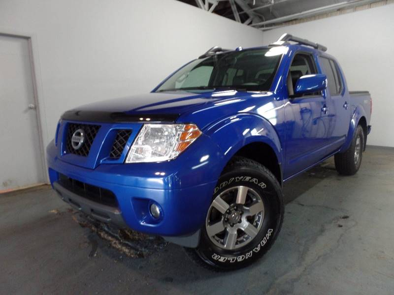 2012 Nissan Frontier PRO 4X 4x4 4dr Crew Cab SWB Pickup 5A