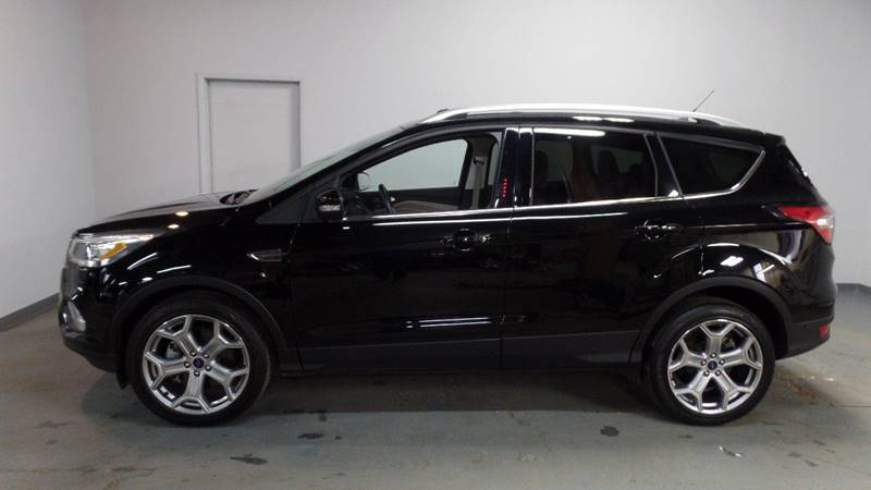 2017 Ford Escape Titanium AWD 4dr SUV | For sale at Axelrod Auto ...
