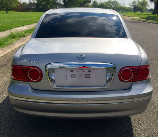 2005 Kia Amanti Base 4dr Sedan - San Antonio, TX