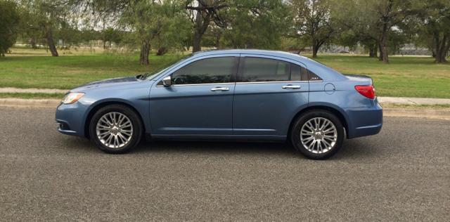 2011 Chrysler 200 Limited 4dr Sedan - San Antonio, TX