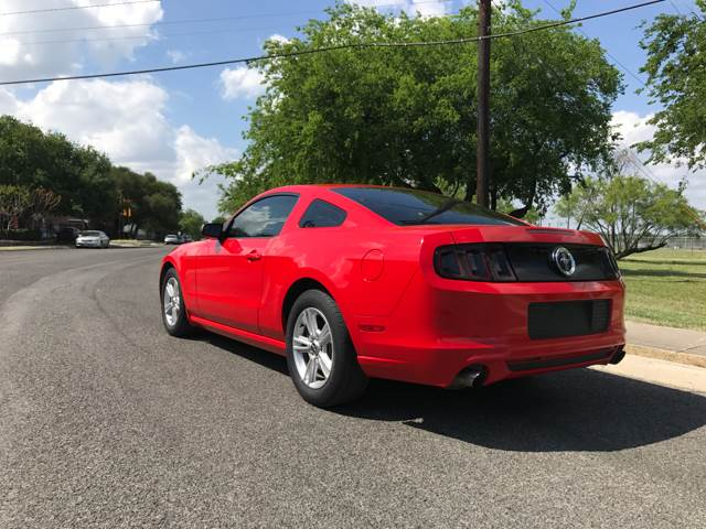 2013 Ford Mustang V6 2dr Coupe - San Antonio, TX