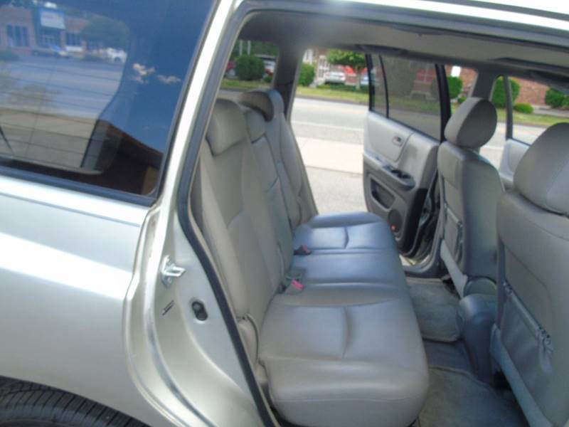 2005 Toyota Highlander AWD Limited 4dr SUV w/3rd Row - Kensington CT