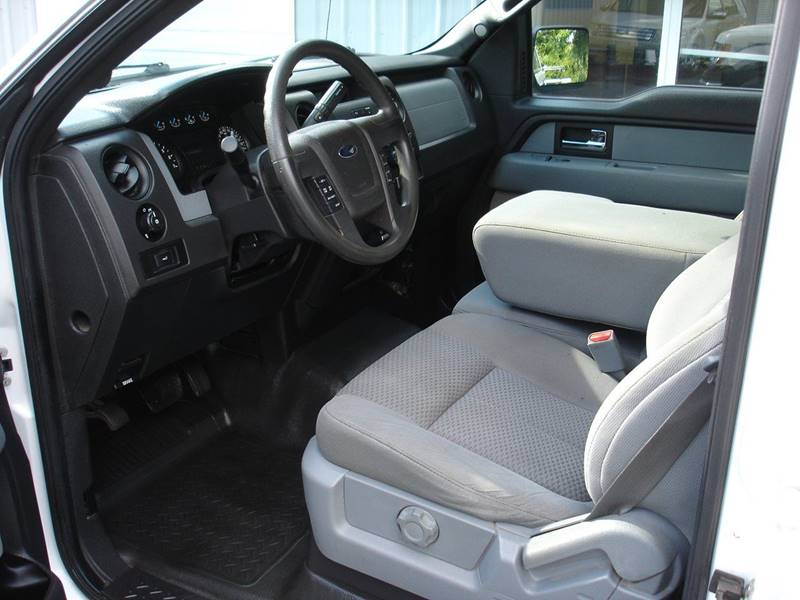 2014 Ford F-150 XL (image 6)