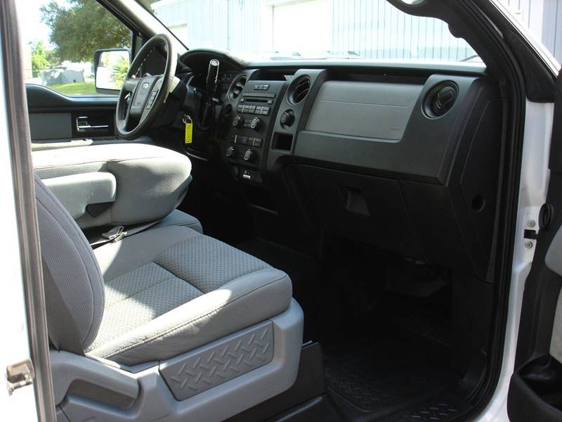 2014 Ford F-150 XL (image 9)