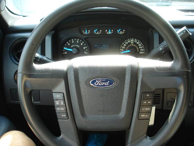 2014 Ford F-150 XL (image 14)