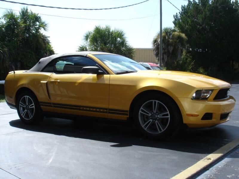 2012 Ford Mustang V6 Premium 2dr Convertible - Nokomis FL
