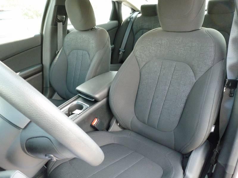 2016 Chrysler 200 Limited 4dr Sedan - Elizabethtown KY