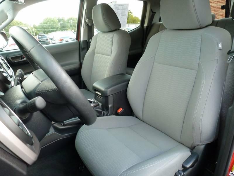 2017 Toyota Tacoma 4x4 SR5 V6 4dr Double Cab 5.0 ft SB - Elizabethtown KY