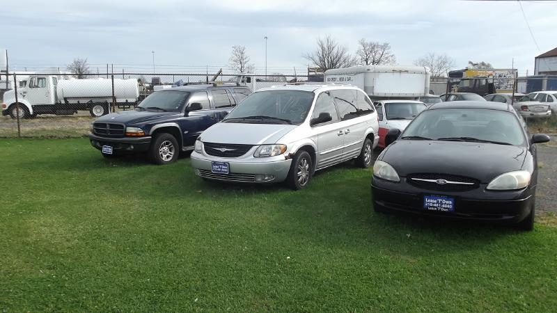 2004 Chrysler Town and Country TOURING - Cleveland OH