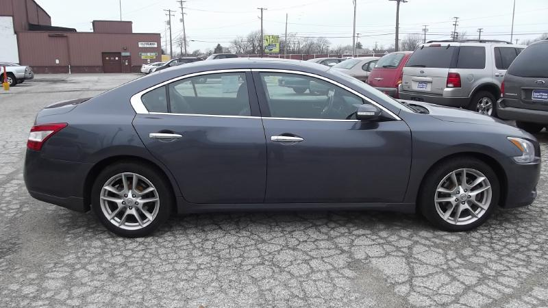 2009 Nissan Maxima SV - Cleveland OH