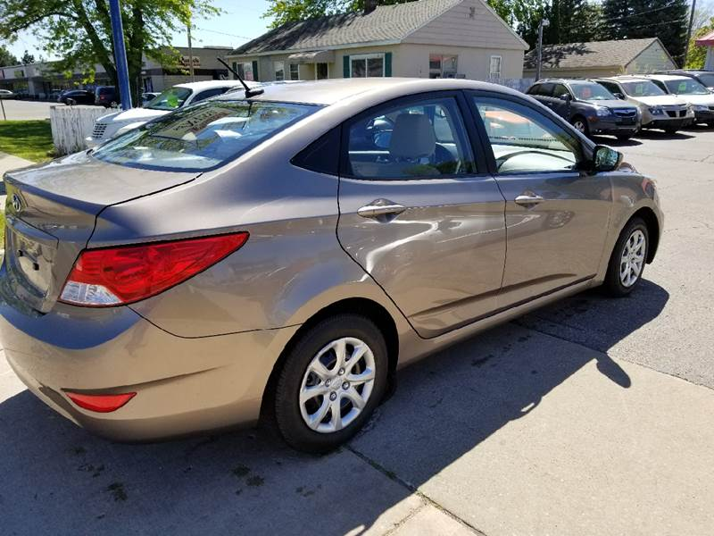 2013 Hyundai Accent GLS 4dr Sedan - Grand Rapids MI